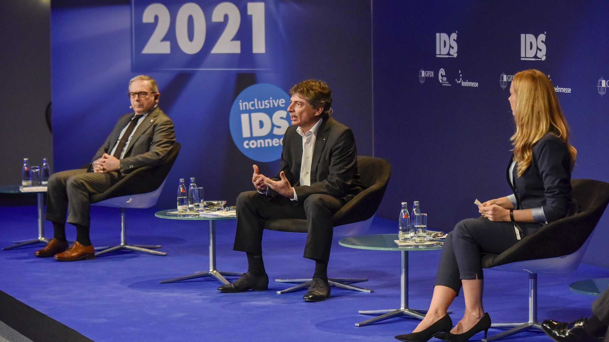 """Интервю: """"IDS ще осветли пътя за цялата дентална индустрия"""""""